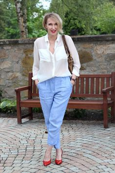 A fashion blog for women over 40 and mature women  Blouse+Pants: &other Stories Shoes: Noe Bag: Chloé