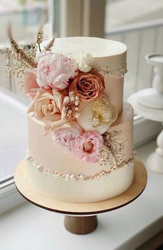 Mini Wedding Cakes, Pretty Wedding Cakes, Summer Wedding Cakes, Beautiful Birthday Cakes, Unique Wedding Cakes, Wedding Cakes With Flowers, Wedding Cake Designs, Pretty Cakes, Flowers On Cake
