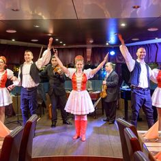 Dinner Cruise with Folklore and Operetta Show