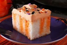 Halloween Poke Cake – No broomstick required to make this vanilla-and orange-flavored Halloween Poke Cake recipe for your party menu. An ordinary fork will help you make this festive Halloween dessert creation, easily. Halloween Desserts, Halloween Cakes, Holiday Desserts, Holiday Baking, Just Desserts, Holiday Recipes, Delicious Desserts, Halloween Foods, Halloween Party