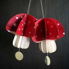 Er lidt vild med den mørkerøde farve i år❤ #trorpårødtiår#juleklip#papirklip #fluesvamp#ophæng#julepynt #jul16#decorations#handmade #madebyme#skandinaviskjul Christmas Decorations, Christmas Ornaments, Holiday Decor, Paper Art, Paper Crafts, Paper Engineering, Paper Magic, Origami, Projects To Try