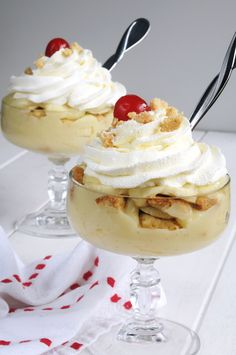 Easy Banana Pudding The day I discovered I could make  pudding in my microwave changed my life.No more scorched custard, hot stoves or instant pudding mix.Microwave banana puddingis the perfect summer-time dessert. Cool to make and cool to eat.