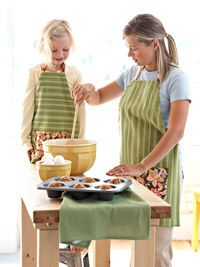 Free Mother/Daughter Apron Sewing Pattern