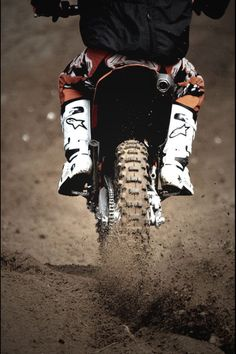 We give you the best service and prices on motorcycle helmets, jackets, gear, parts and accessories. Motocross Quotes, Dirt Bike Quotes, Motocross Love, Enduro Motocross, Motocross Photography, Bike Photography, Car Brands Logos, Bike Photoshoot, Dirt Bike Girl