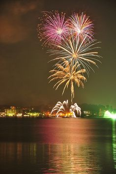 Fireworks in Kaga.I want to go see this place one day. Please check out my website Thanks.  www.photopix.co.nz