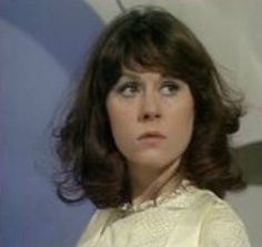 Sarah Jane Smith played by Elisabeth Sladen 💙💙 New Doctor Who, Doctor In, Dr Who Companions, Sarah Jane Smith, Jane Clothing, Big Crush, Torchwood, Time Lords, Aliens