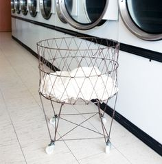 Retro Laundry Basket | @giftryapp