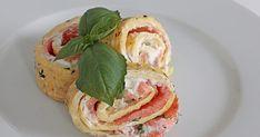 Festlig remake på LCHF-favoriten omelett. Passar både som lunch och som buffé. Servera gärna med en sallad. Omelettrulltårta med rökt...