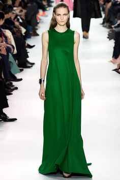 Christian Dior Fall 2014 RTW - Runway Photos - Fashion Week - Runway, Fashion Shows and Collections - Vogue Fashion Week Paris, Runway Fashion, Green Fashion, High Fashion, Fashion Show, Fashion Design, Cheap Fashion, Fashion Women, Christian Dior