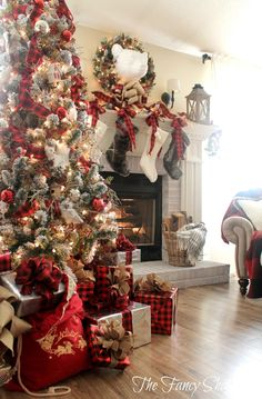 The Fancy Shack: Christmas Home Tour 2015 Everything except that creepy bear head Woodland Christmas, Merry Little Christmas, Plaid Christmas, Country Christmas, Christmas Porch, Christmas 2017, Outdoor Christmas, Christmas Snowman, White Christmas