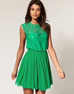 love this green...maybe I should find a fun st. patty's party??