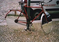 Funny pictures about Mirror rims. Oh, and cool pics about Mirror rims. Also, Mirror rims photos. Cool Bicycles, Cool Bikes, Cool Pictures, Funny Pictures, Random Pictures, Funny Pics, Funny Stuff, Hilarious, Dynamo