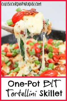 A BLT is a summer staple, and it is re-imagined into a simple weeknight pasta. My One-Pot BLT Tortellini Skillet is simple, quick, and uses fresh summer garden ingredients like tomatoes and spinach. #BLT #Bacon #Pasta #OnePot Yummy Pasta Recipes, Best Dinner Recipes, Breakfast Recipes, Skillet Recipes, Skillet Meals, Delicious Meals, Meal Recipes, Cheese Recipes, Easy One Pot Meals