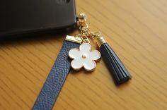Beautiful Flower Strap Earphone Cap