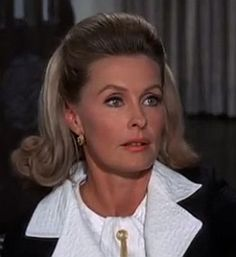 """Dina Merrill grew up at  Mar-a-Logo, the daughter of Marjorie Merriweather Post. She didn't """"run"""" with those Society Ladies."""