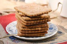 Homemade Graham Crackers Photo via @foodfanatical