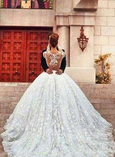 VN373 – Vestido de Noiva em Renda Maravilhoso com Efeito Illusion e saia Princesa