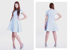 Błękitna sukienka z rękawkiem. Zapraszamy na www.GANTOS.pl oraz do nowego sklepu w Gdyni na ul. Abrahama 10 !