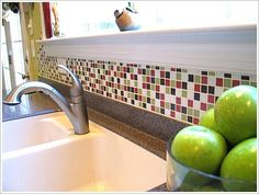 Gorgeous kitchen tile backsplash design! I so love the color combination of this kitchen tile backsplash idea :)