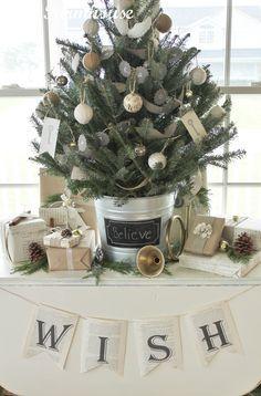 schöner geschmückter Tannenbaum