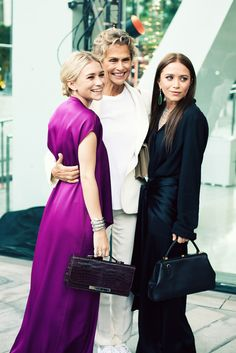 labellefabuleuse: Ashley Olsen, Lauren Hutton and Mary-Kate Olsen photographed by Jamie Beck at the CFDA Fashion Awards, June 2012 can't wait for the CFDA's this year! Mary Kate Olsen, Mary Kate Ashley, Ashley Olsen Style, Olsen Twins Style, Lauren Hutton, Sarah Jessica Parker, Full House, Olivia Palermo, The Row