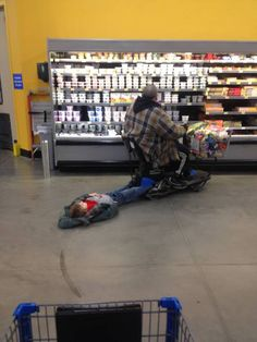 This kid at the grocery store. | 42 People You Won't Believe Actually Exist