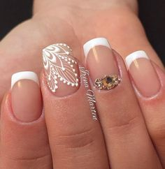 Beautiful wedding nails Delicate wedding nails Festive nails Lace nails Nails for wedding dress Nails with rhinestones Original wedding nails Smart nails Best Nail Art Designs, Beautiful Nail Designs, Pretty Nails, Fun Nails, Smart Nails, Gold Nails, Nail Design Spring, Nails Design With Rhinestones, Bride Nails