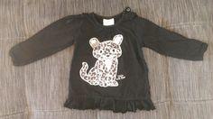 Schwarzes Langarmshirt mit Leopardenbaby