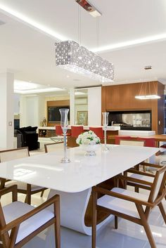 Dining Room Lighting Ideas for Every Style Help! Dining Room Paint Colors, Dining Room Art, Luxury Dining Room, Dining Room Lighting, Corner Bench Dining Set, Square Dining Tables, Dining Table Design, Simple False Ceiling Design, Dining Room Table Centerpieces