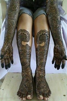Mehndi will plays a vital role in the wedding or any other functions.Especially for womens will like to were mehndi for any occasions. Here Rajasthani Mehndi design will brings you tradition on your hands of the bride. Latest Bridal Mehndi Designs, Mehndi Designs For Girls, Unique Mehndi Designs, Wedding Mehndi Designs, Beautiful Henna Designs, Wedding Henna, Beautiful Mehndi, Latest Mehndi, Beautiful Body