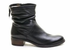 Cara, Riley ~ black ankle boot (32011)