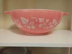 Vintage Pyrex Pink 444 Gooseberry Mixing Bowl Cinderella Nesting Bowl 4qt #Pyrex