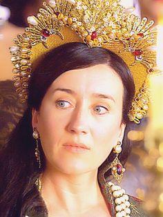 The Tudors Daily Queen Mary, King Queen, Katharina Von Aragon, Queen Isabella Of Spain, Tudor Series, Los Tudor, The Tudors Tv Show, Isabella Of Castile, Tudor Dynasty