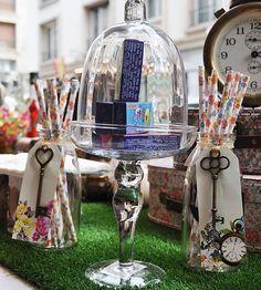 Petite bonbonnière forme de cloche #CandyBar #Wedding #Birthday - http://www.instemporel.com/s/12597_224349_petite-bonbonniere-forme-de-cloche