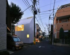 Townhouse in Takaban by Niji Architects / Tokyo, Japan