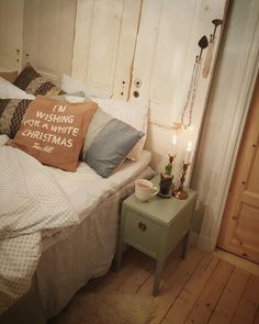 Time for beed #bed #bedroom #cozy