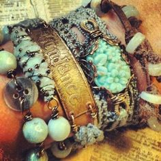 I've been browsing around my hippie and gypsy Pages on Facebook collecting pictures for my Ideas folder and I wanted to share with you some great DIY boho jewelry you can make!   DIY Stackable...