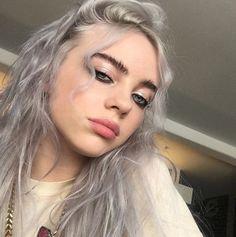 😍 billie eilish, 2019 billie eilish, makeup ve queen Billie Eilish, Pretty People, Beautiful People, Girly, Silver Hair, Models, Girl Crushes, My Idol, Ikon