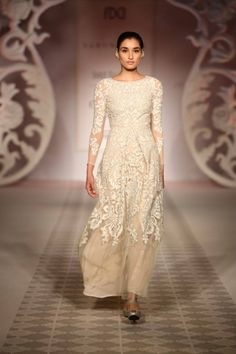 Varun Bahl India Couture Week Varun Bahl Collection, Designs, Fashion Shows, Cocktail Wear, Pictures and Photos on Bigindianwedding Pakistani Couture, Indian Couture, Ethnic Fashion, Asian Fashion, Women's Fashion, Indian Dresses, Indian Outfits, Pretty Dresses, Beautiful Dresses