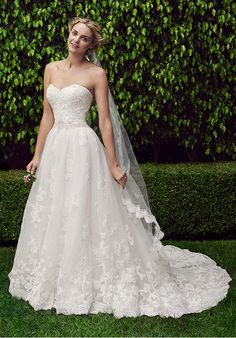 Strapless ball gown features layers of soft tulle and hand-beaded lace | Casablanca Bridal | 2229 Cherry Blossom | http://knot.ly/64908HC3w