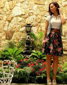 Saia cintura alta, casual, feita de tricoline, SOB MEDIDA e em diversas estampas ou cores. R$87,00