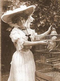 photo of edwardian lady with african grey parrot