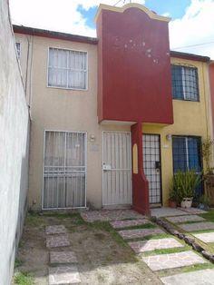 Casa en Venta con 94 m2 de Terreno y 57 m2 de Construccion, distribuida de la siguiente forma:   Planta Baja: estacionamiento en la parte frontal, s...