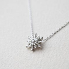 Snowflake necklace in silver