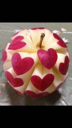 beautiful red apple hearts and love symbols fruit carving Veggie Art, Fruit And Vegetable Carving, Fruits Decoration, Food Sculpture, Food Carving, Best Fruits, Fruit Art, Food Humor, Snacks