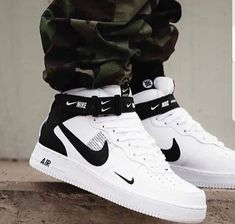 best website d3467 cd6ca Sneakers Nike, Sneakers Fashion, White Sneakers, White Trainers Men, New  Sneakers,