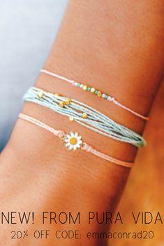 Pura Vida Bracelets®: Founded in Costa Rica - Handmade Bracelets Purvida Bracelets, Summer Bracelets, Handmade Bracelets, Simple Bracelets, Cute Jewelry, Boho Jewelry, Jewelry Accessories, Fashion Jewelry, Jewellery