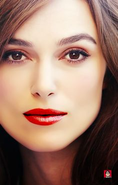 time for a giant face photo. English Actresses, British Actresses, Elizabeth Swann, Hollywood Actor, Hollywood Actresses, Keira Knightley Makeup, Period Piece Movies, Keira Christina Knightley, Face Photo