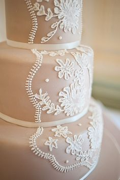 Lace Wedding Cake!-Στολίστε με δαντέλα τη γαμήλια τούρτα σας! - Save The Date