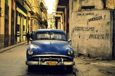 Nostalgic street scene - Havana, Cuba by Piero Damiani Havana Cuba, Latest Images, Travel And Leisure, Meeting New People, Travel Posters, Travel Inspiration, Surfing, Places To Visit, Vacation